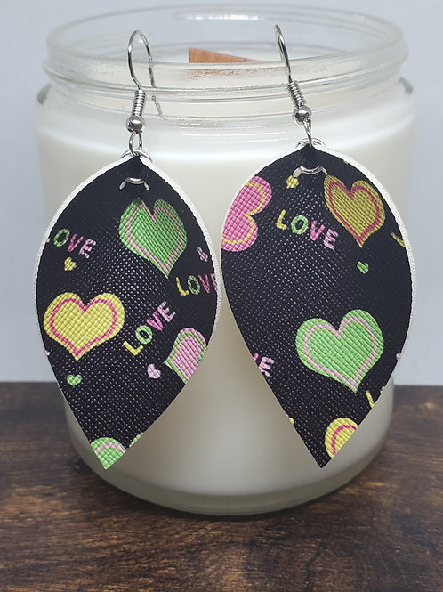 Medium Pinched Leaf Candy Hearts Faux Leather
