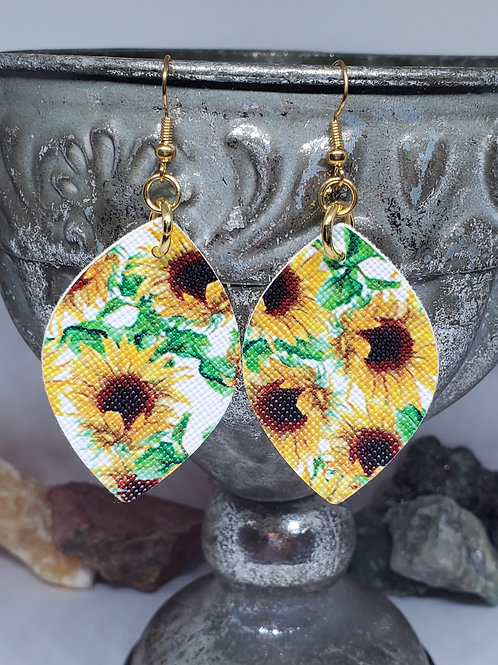 Small Rounded Diamond Sunflower Print Faux Leather