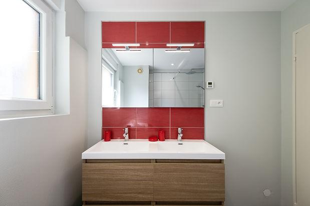 apres-renovation-gite-horbourg-wihr-salle-de-bain-sur-mesure-java-archi-deco-d'interieur-alsace