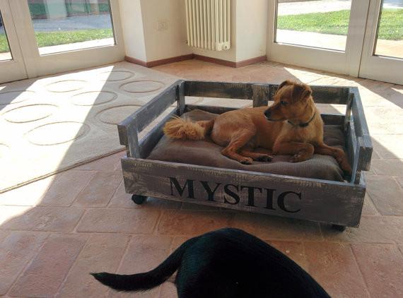 créer un couchage pour chien avec palette - récup