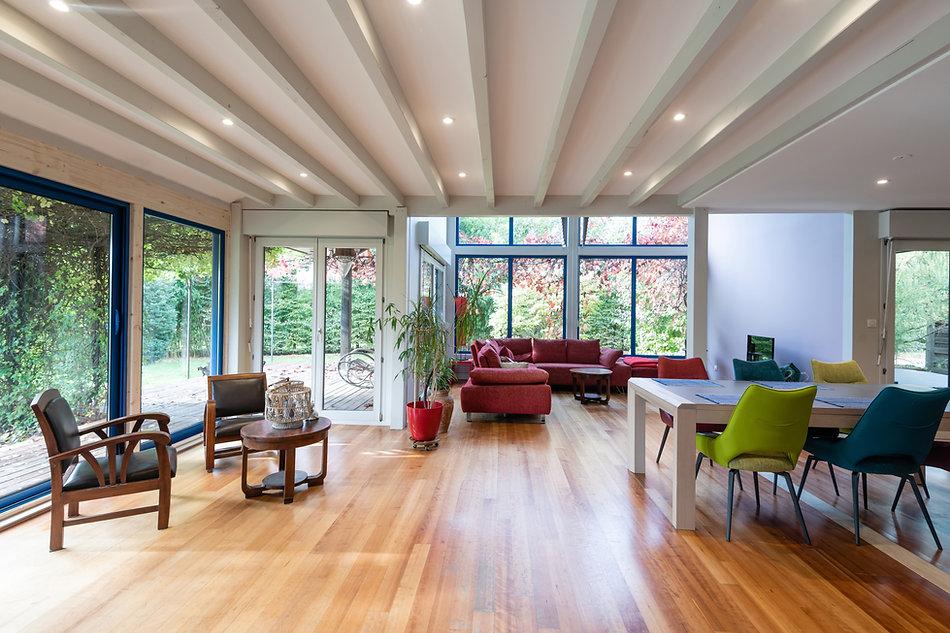 salon-salle-a-manger-canape-verriere-renovation-java-architecte-decorateur-alsace-illzach