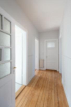 couloir-entree-bois-java-archi-deco-colmar