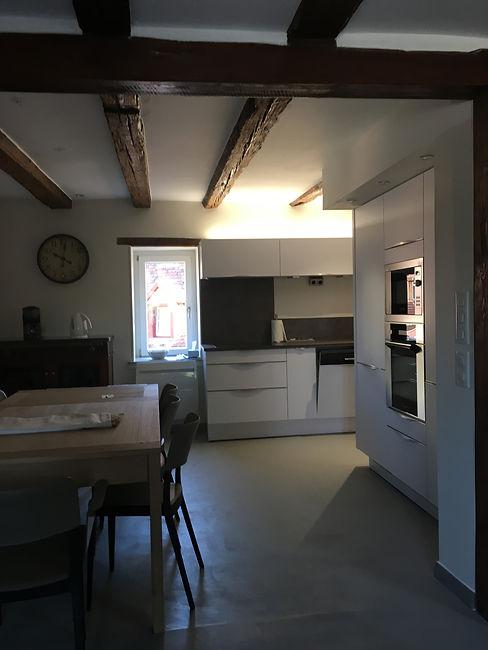 Renovation/Duplex/Colombage/Architecte d'interieur/java decorateurs/Tendance/Habitat/Beton cire/Poêle a bois/Cuisine/Salle a manger/