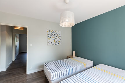 chambre-lit-simple-renovation-java-architecte-decorateur-alsace