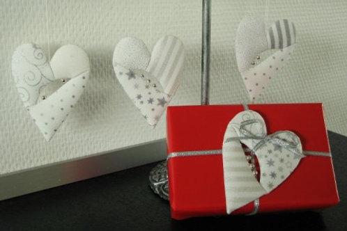 Små søde hjerter - 8 stk i lys/sølv stoffer