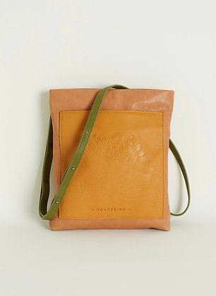 POCKET CROSSBODY BAG  ( almond )