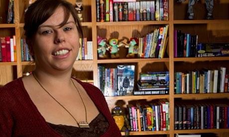 A escritora que fez milhões por autopublicação online