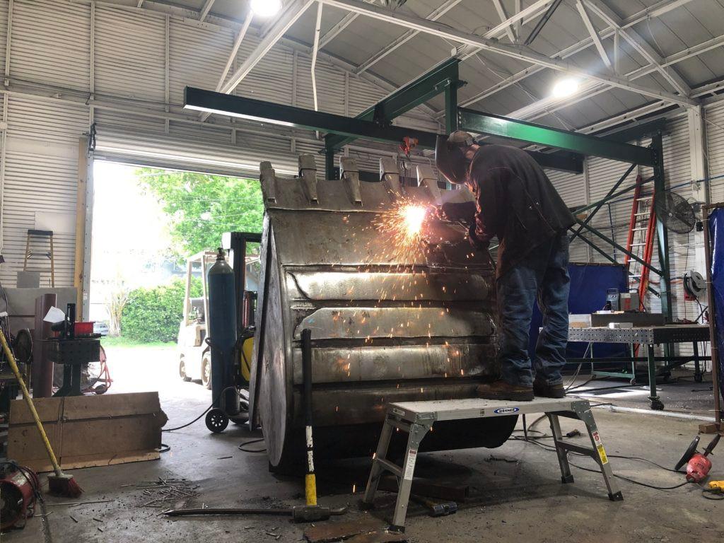 Advanced Demo Excavator Bucket Repair