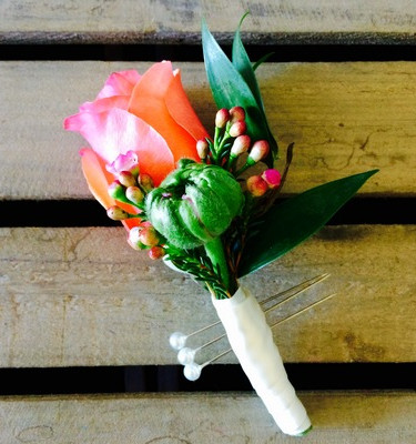 boutonniere one