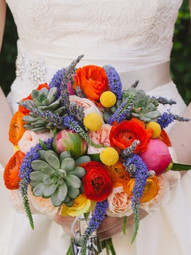 wedding floral, flowers and succulents