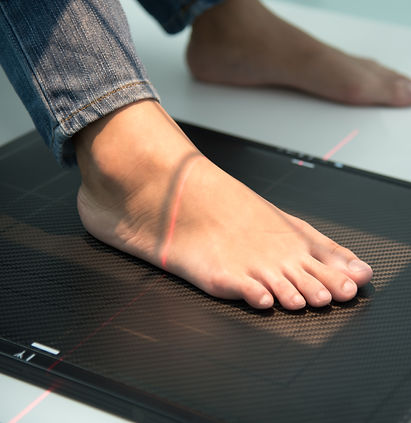 3d foot scan for custom made orthotics.j