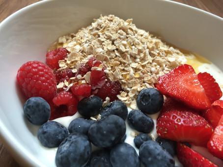 Eat: Yogurt, summer fruits and oats breakfast bowl