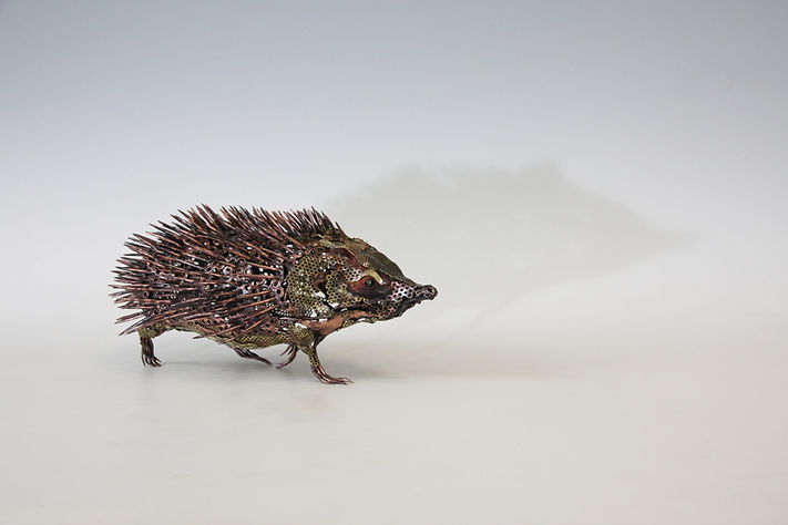 20 Rachel Higgins sculpture Hedgehog (00