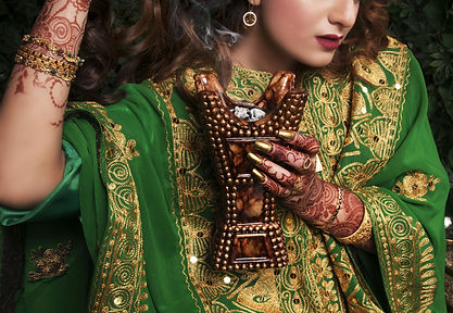 culture-dress-fashion-girl-206329.jpg