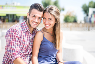Achieve a dazzling smile with tooth whitening!