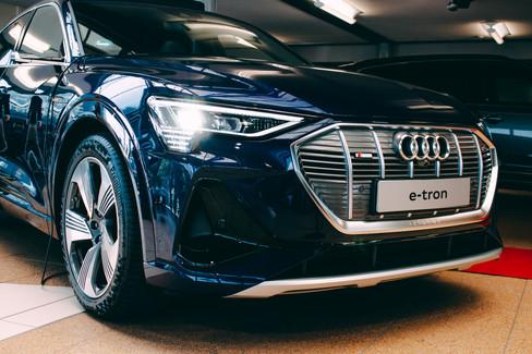 Audi E-tron-10.jpg