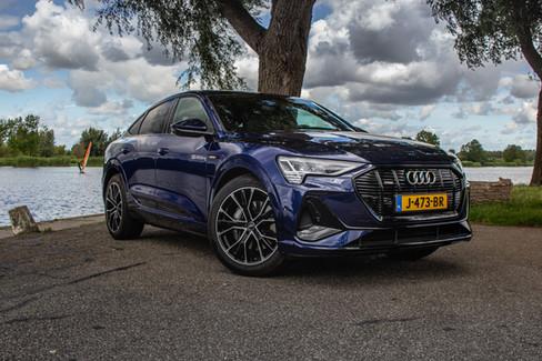 Audi E-trons1-13.jpg