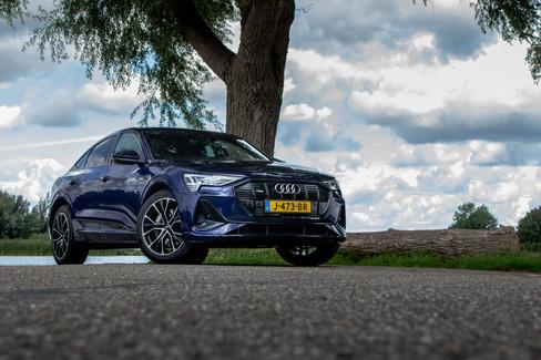 Audi E-trons1-12.jpg