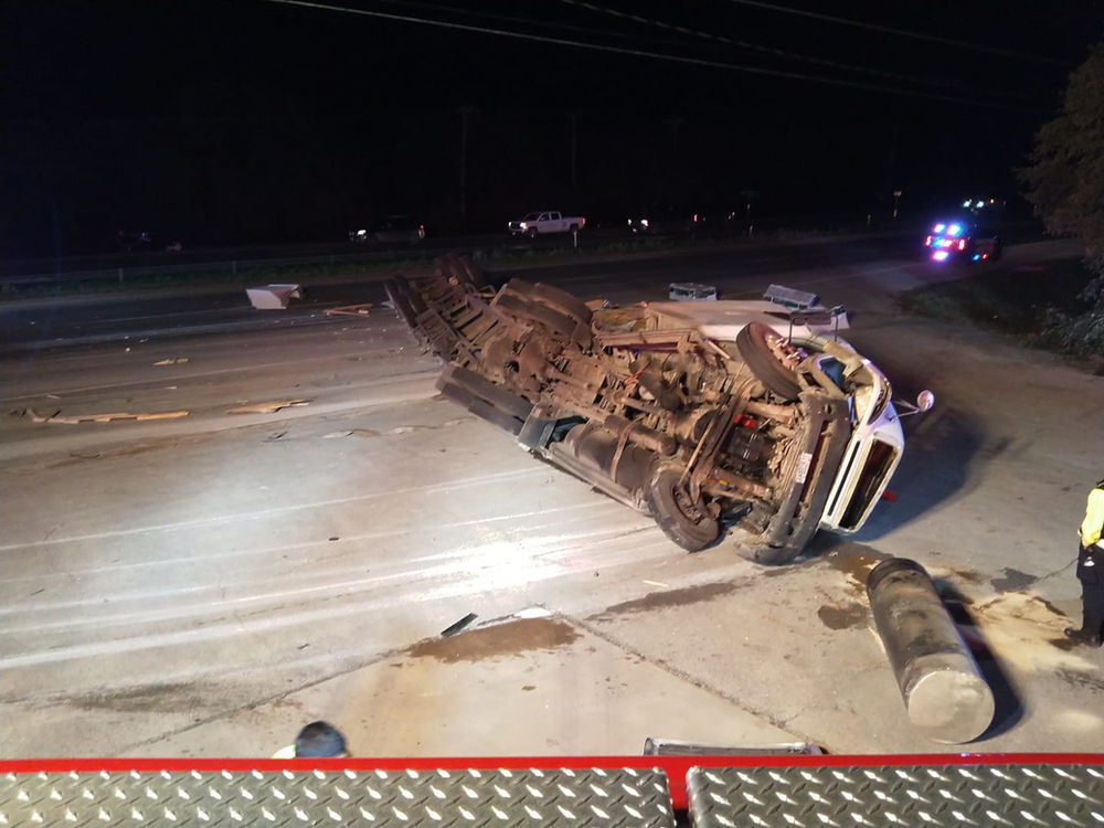 Rollover accident closes 281 near Bulverde