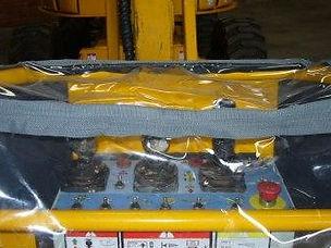 Capa de proteção para painel de controle de plataforma elevatória
