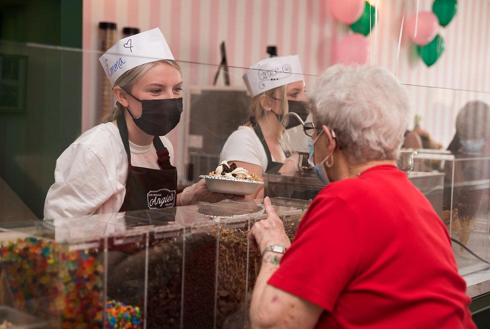 Grand Opening - Angies Ice Cream (122 of