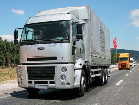 Универсальный грузовик Ford Cargo