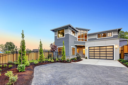 Excellent curb appeal of a Modern crafts