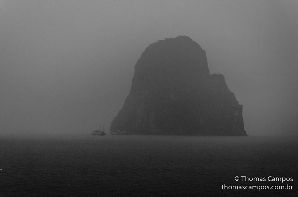 Storm in Halong Bay 02