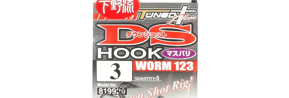 DECOY WORM 123 DS HOOK