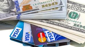 Van a salir al extranjero (desde México), ¿compran dólares o pagan con la tarjeta?