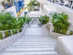 Boana Torre Malibu stairs to beach entra