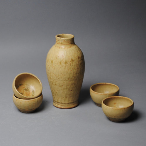 Sake Whiskey set with Four Cups R 53