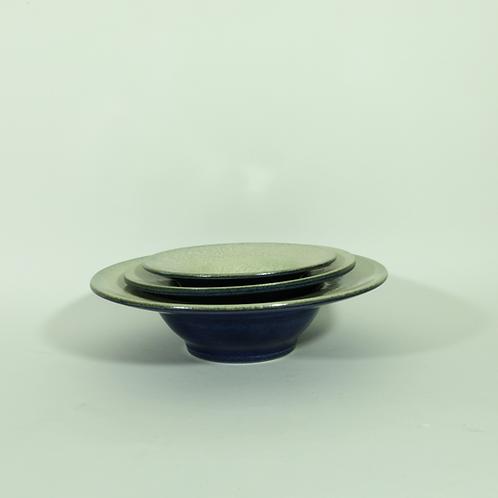 Diep bord met brede rand - blauw