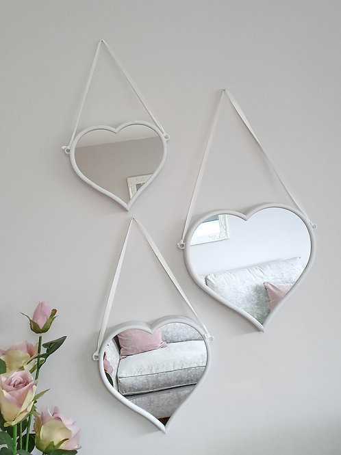 White Heart Shaped Hanging Mirrors Set Of 3 **IMPERFECT**