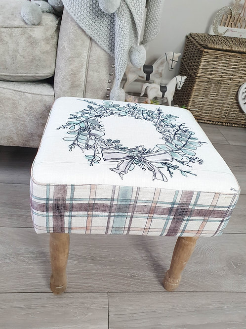 White Vintage Floral Wreath Foot Stool