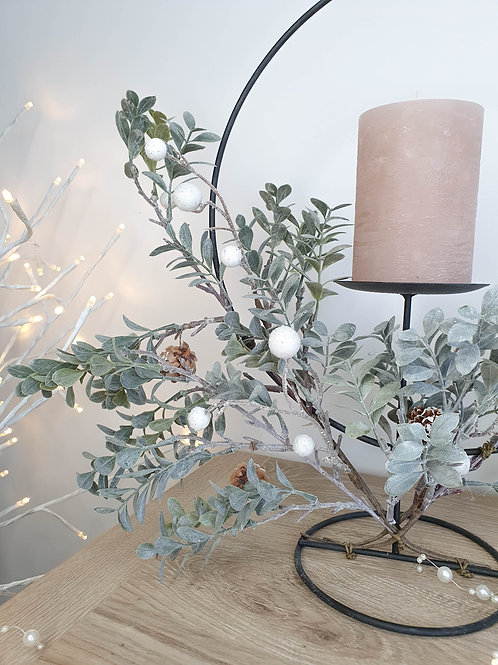 Foliage Loop Stand Candle Holder