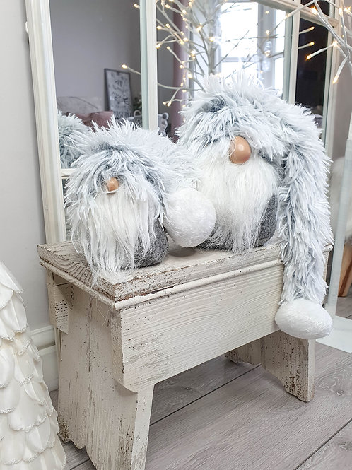 Grey & White Fluffy Sitting Gonk