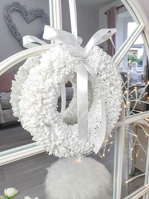 White Snowy Wreath With Bow