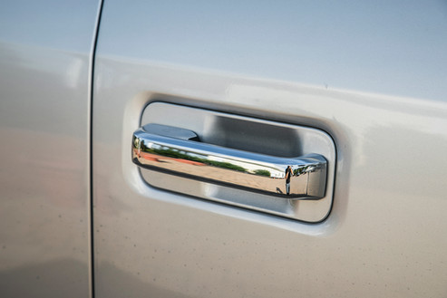 Door handle on silver Ford F250