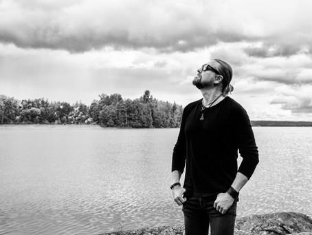 Amorphis-gitarist går solo