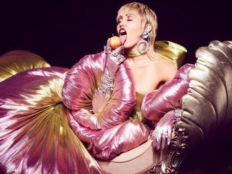 Miley Cyrus skal slippe rockeskive