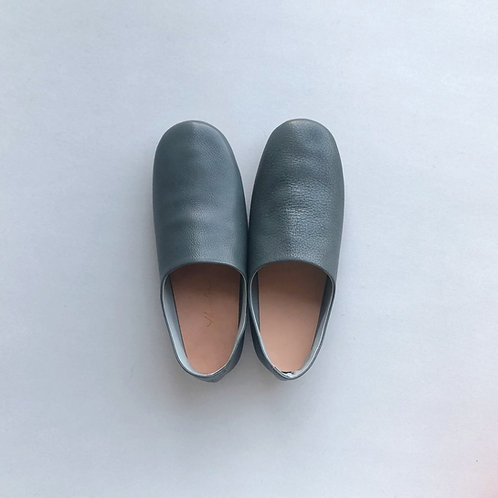Leather room shoes / blue gray