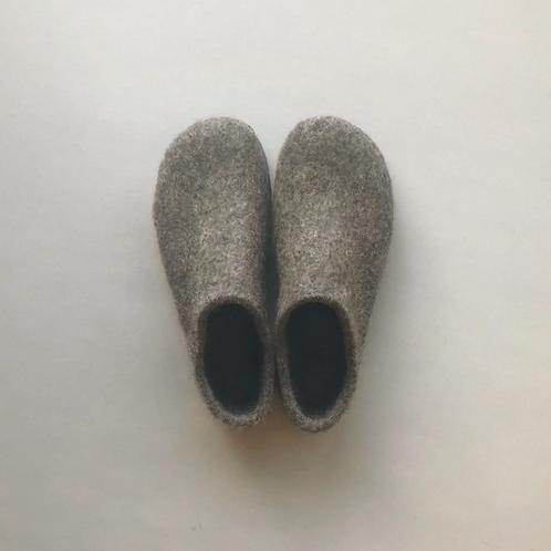 Wool felted room shoes / Dark grey, 24cm