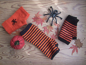 halloween mitts and hat
