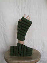 sage_black_brown stripe fingerless glove