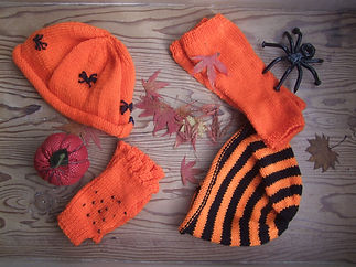 halloween hat and mitts