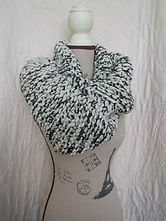 black/cream cowl
