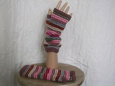 patterned knitted fingerless mitts
