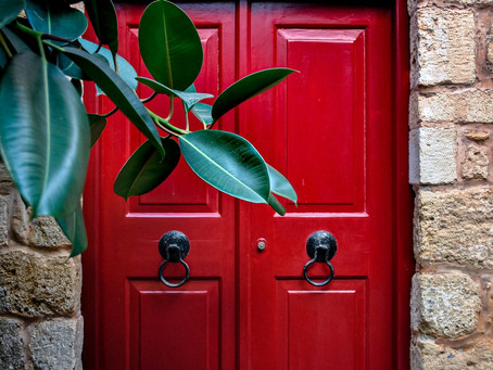 Do You Need to Paint Your Front Door Red for Good Feng Shui?