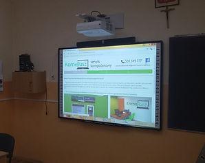 Projektor NEC UM361x z tablicą interaktywną